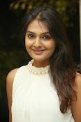 Neha deshpande glamorous photos-thumbnail-2