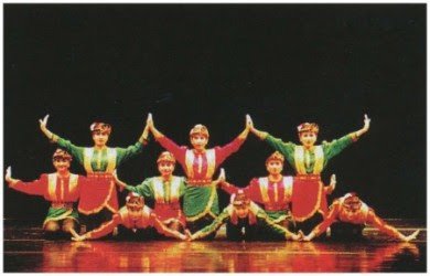 ma blog: ACEH : History of Saman Dance
