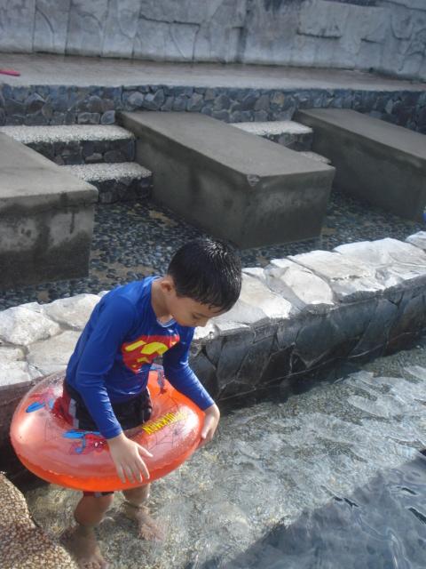 hot spring water pool