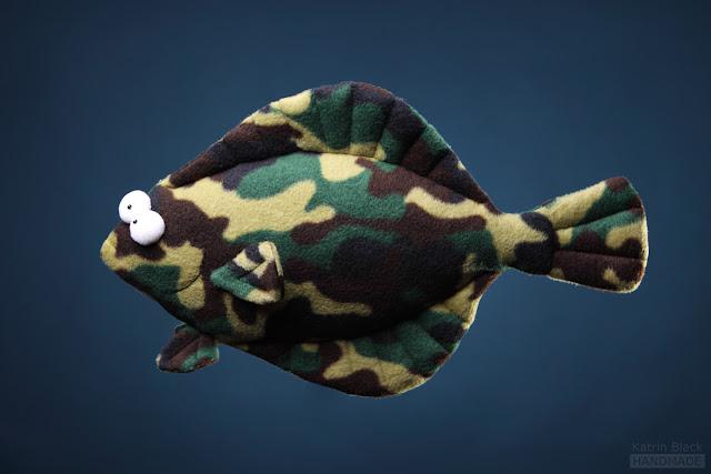 Игрушка ручной работы - рыба камбала подушка.