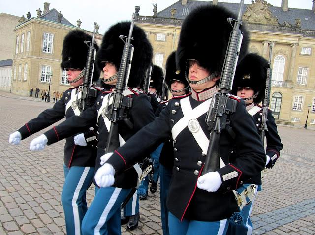 Copenhagen, Amalienborg, Palace, Changing of the Guards