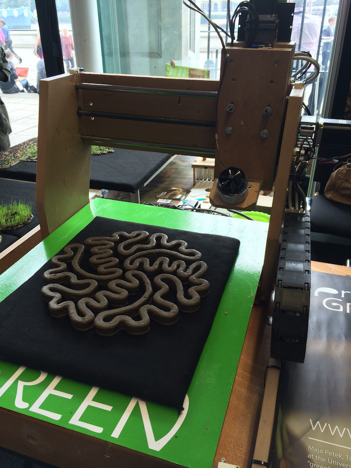 Eco-Friendly 3D Printer Prints LIVING Gardens From Organic Ink