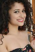 Soumya Sukumar New photo shoot-thumbnail-15