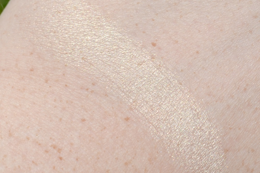 Maybelline 'Pure Nude' 24hr Color Tattoo Review and Swatch