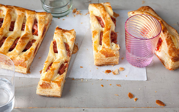 re-june-exclusive-guava-and-cream-cheese-pastry-608.jpg