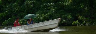 Pirogue en alu sur le fleuve Oyapoque