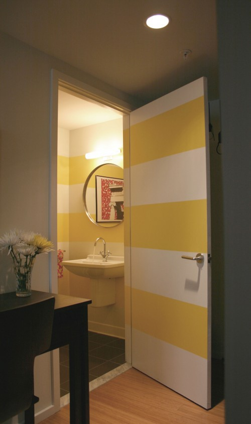 To da loos a splash of yellow in the bathroom can be a for Bathroom yellow paint