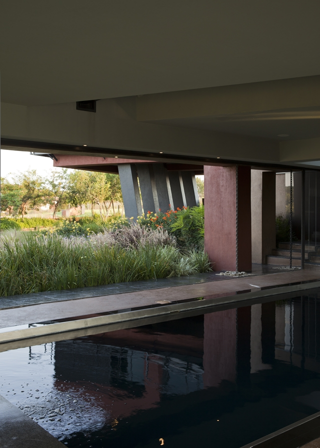 Ground floor with the swimming pool