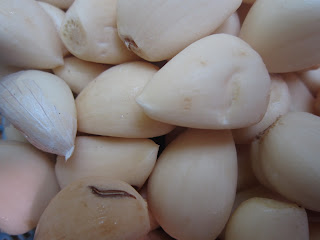 Bawang putih dengan khasiat, vitamin dan kegunaannya