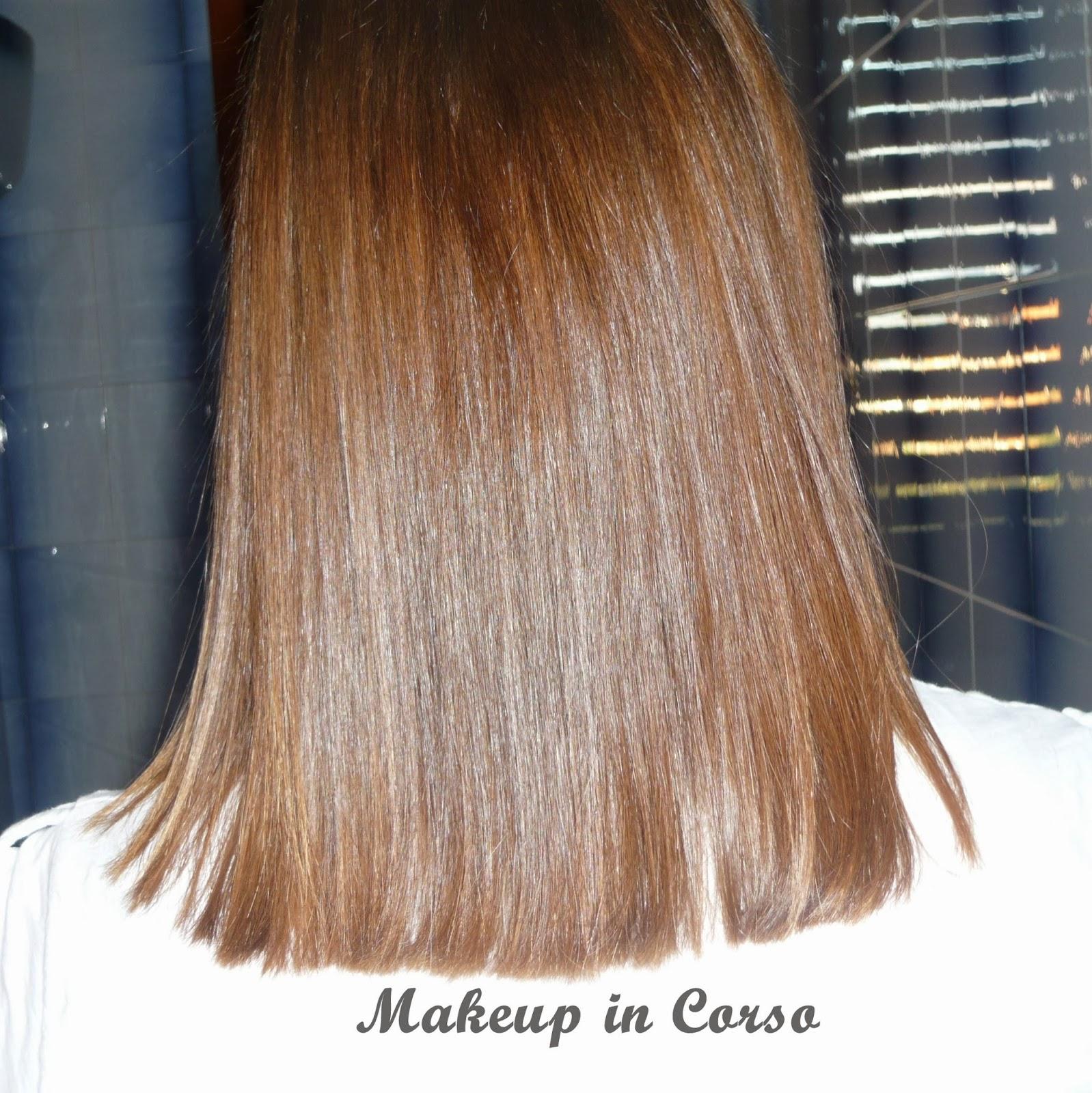 Come tagliare i capelli da sola taglio dritto