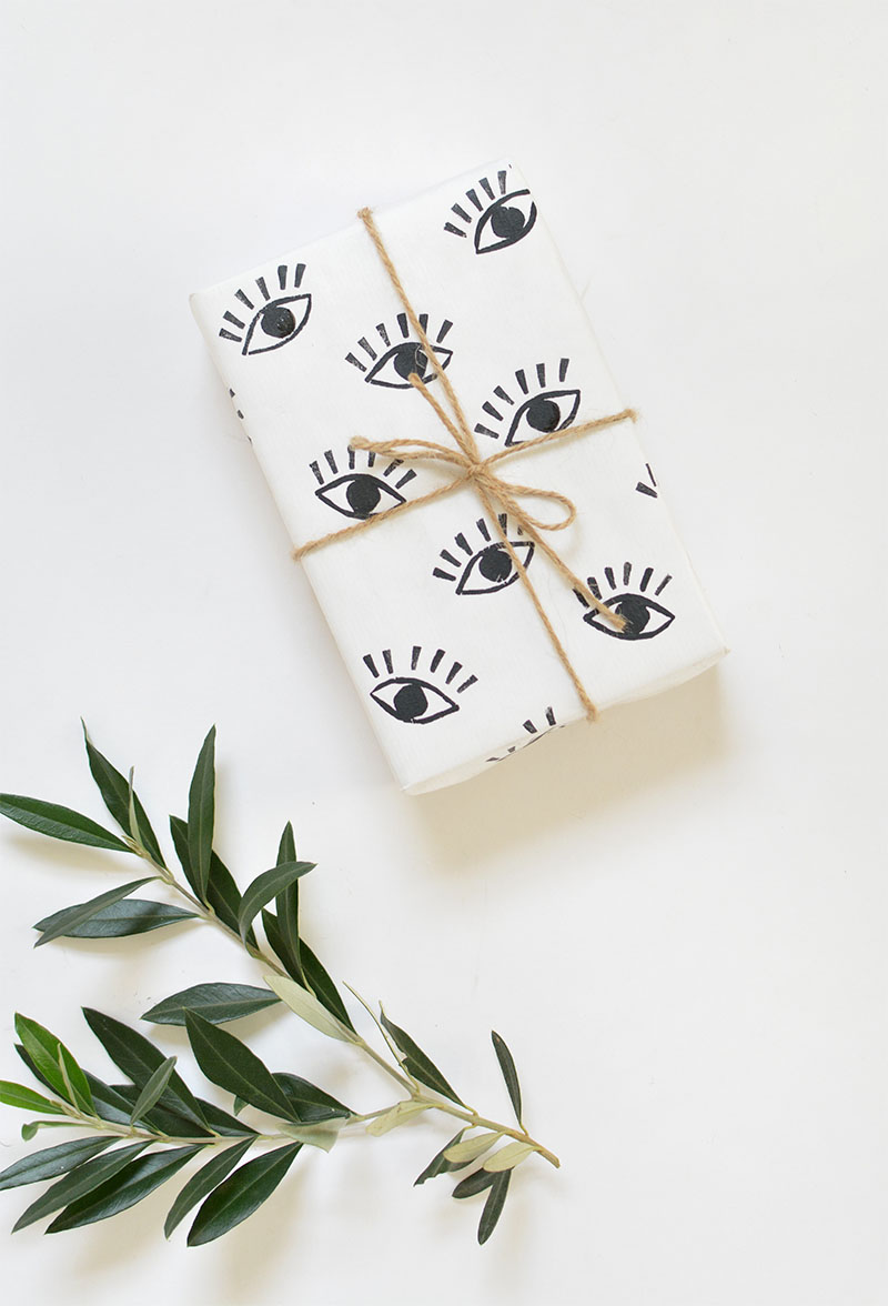DIY hand stamped gift wrap @burkatron
