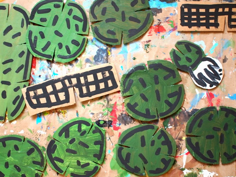 paint your DIY cardboard cactus construction set