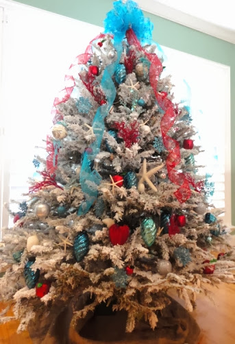 red blue coastal Christmas tree