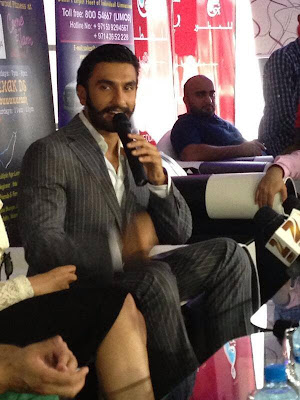 Photos : Ranveer, Sonakshi promote Lootera in Dubai