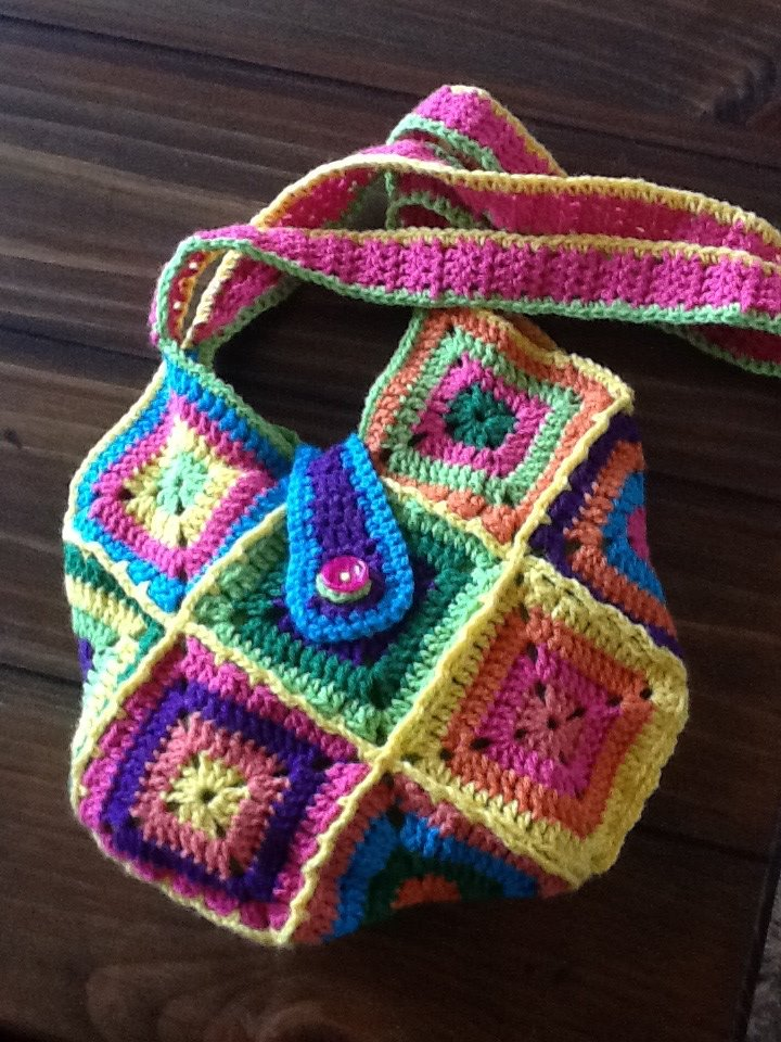 Granny Square Bag Pattern Free : love the happy spring style colours in this one (it ended up in Utah ...