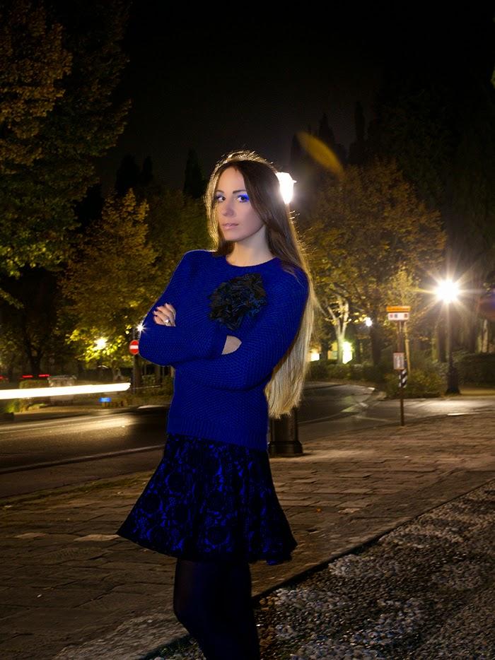 maglione blu elettrico