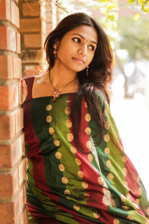 Jaqlene Prakash New Saree Pics Aug 2015