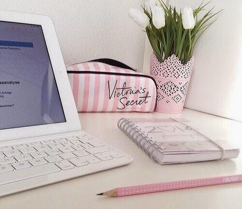 Výsledek obrázku pro we heart it computer pink