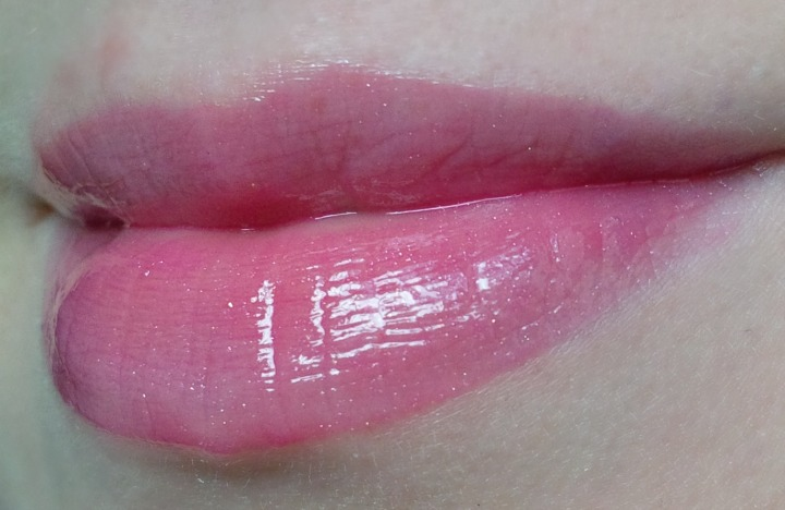 NYC Liquid Lipshine in Fashion Ave Fuchsia 579 lip swatch swatches