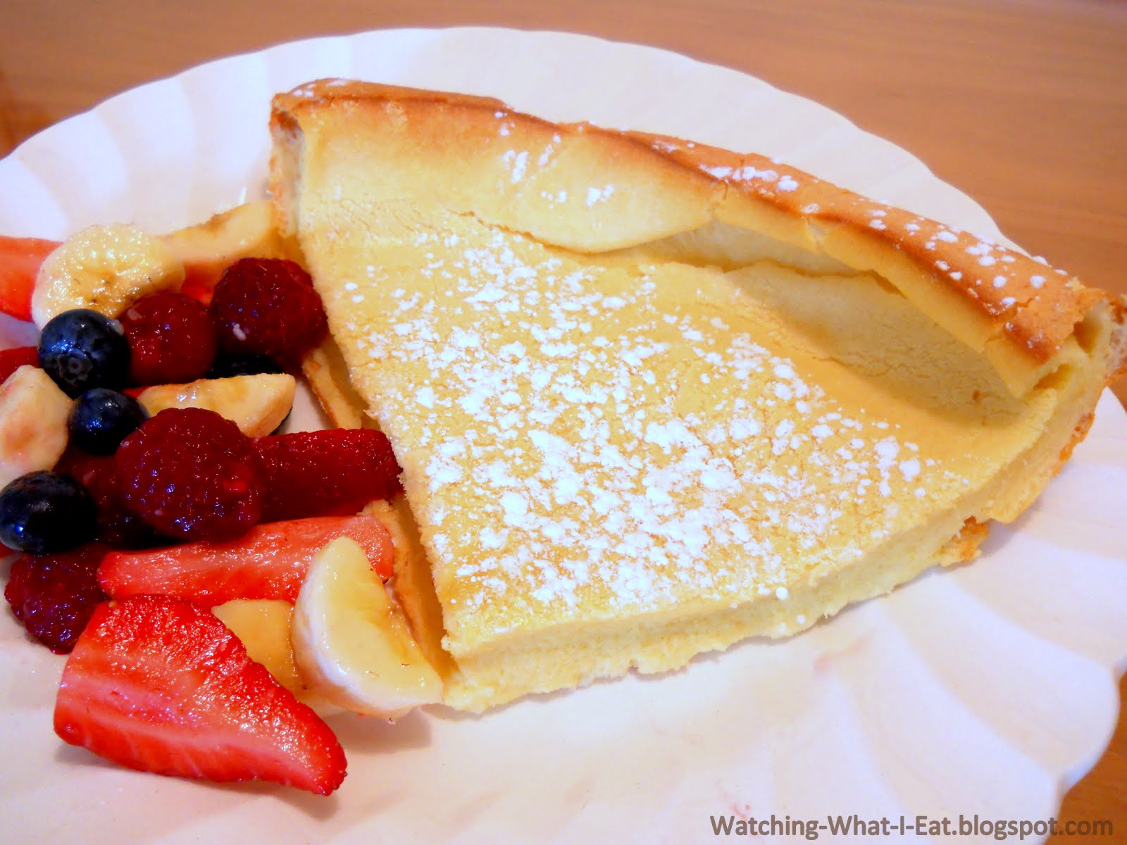 Dutch Baby Pancakes ~ Such a simple & easy breakfast or brunch