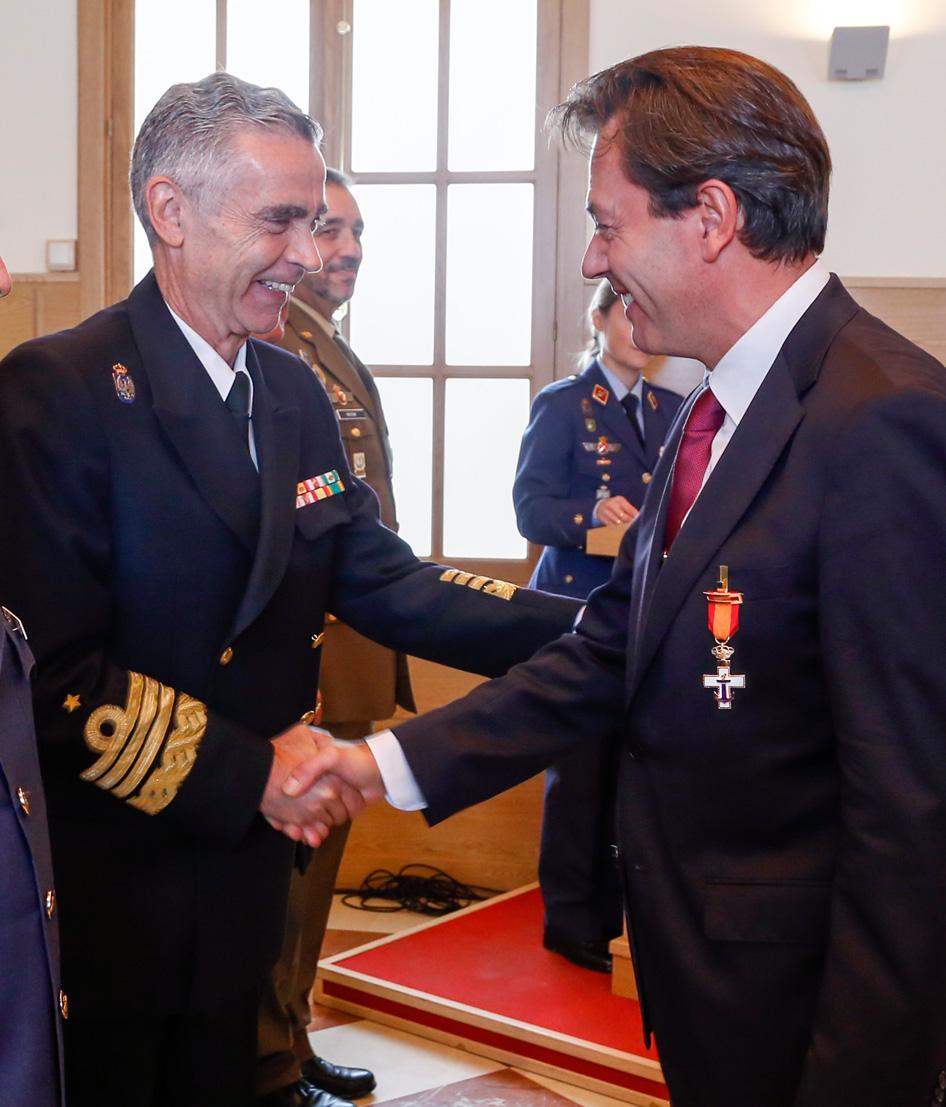 Cruz al Merito Naval