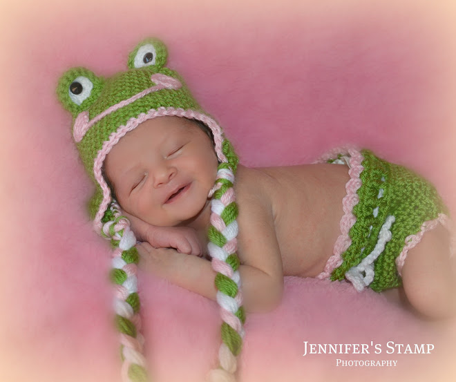 "The ""Hoppy"" Green Frog Set"