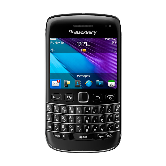 BlackBerry Bold 9790 front