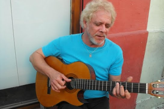 Chuck Eaton:  singer - songwriter from Brazil played in E117 of the ArenaCast