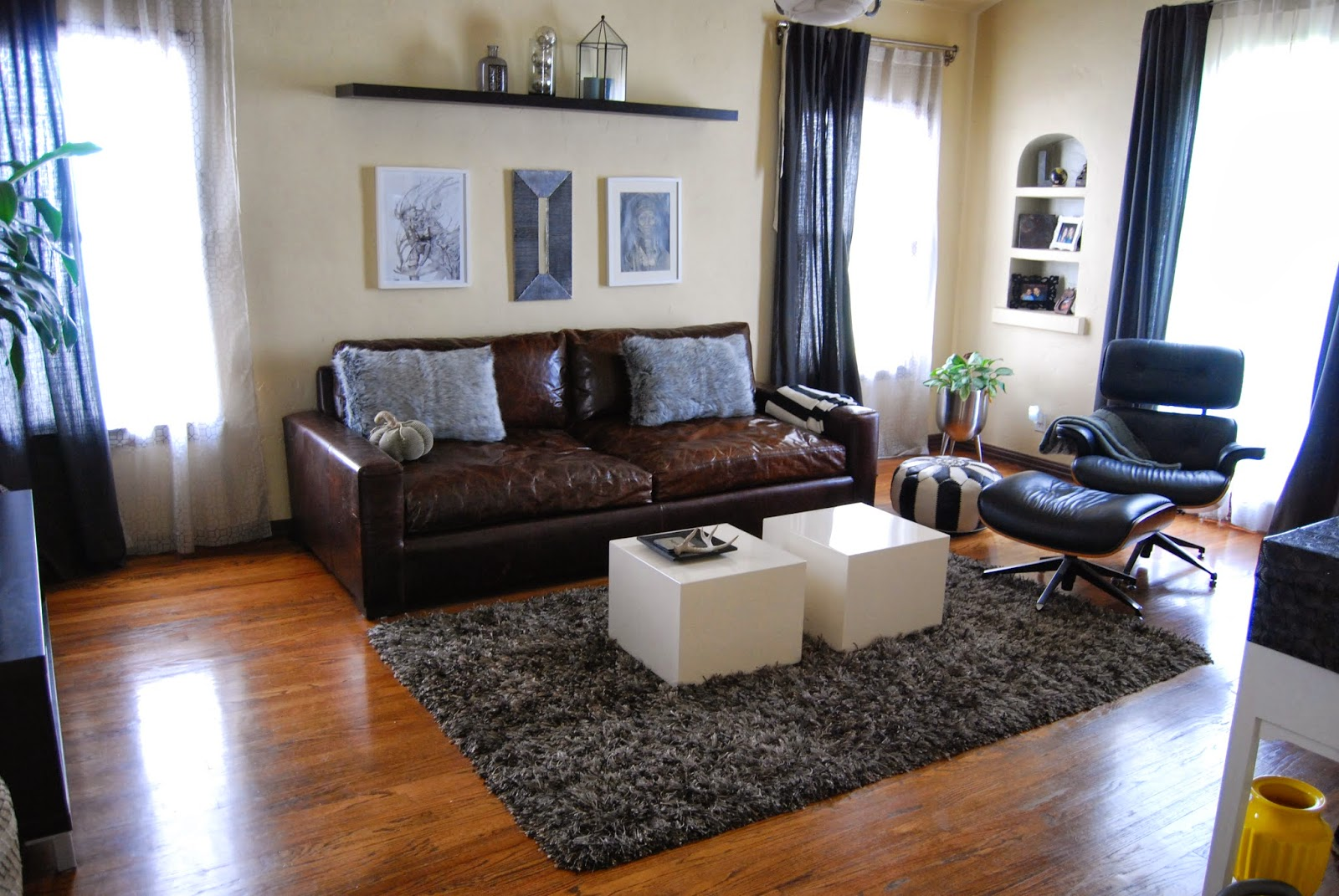 http://abeautynerd.blogspot.com/2013/10/transforming-living-room-part-2.html