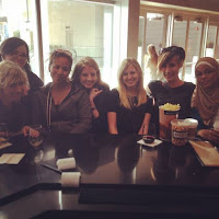 Steph and Kate with Debra Driza, Amy Lukavics, Sarah Enni, Kirsten Hubbard & Sumayyah Daud in San Diego