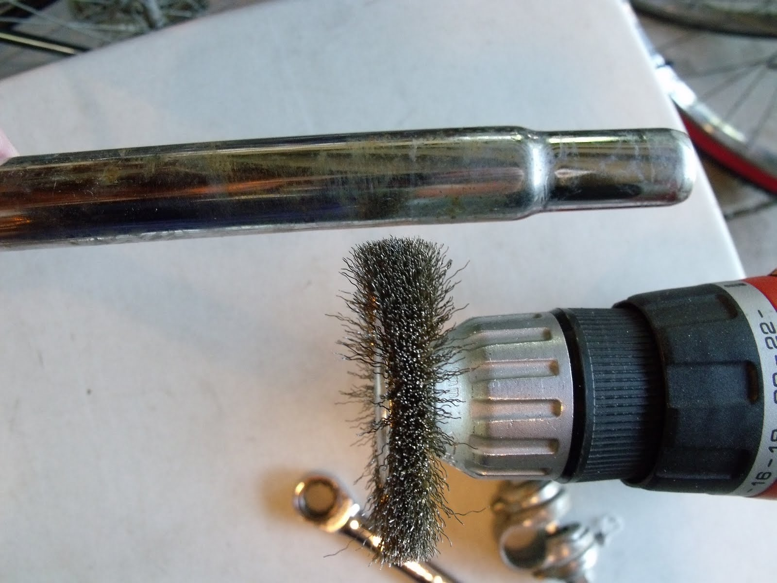 Hugh`s bicycle blog: Removing Surface Rust using Brass Brushes
