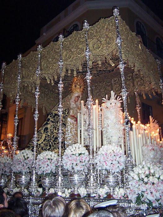 Nuestra Señora Esperanza y San Juan Evangelista, Semana Santa de Sevilla