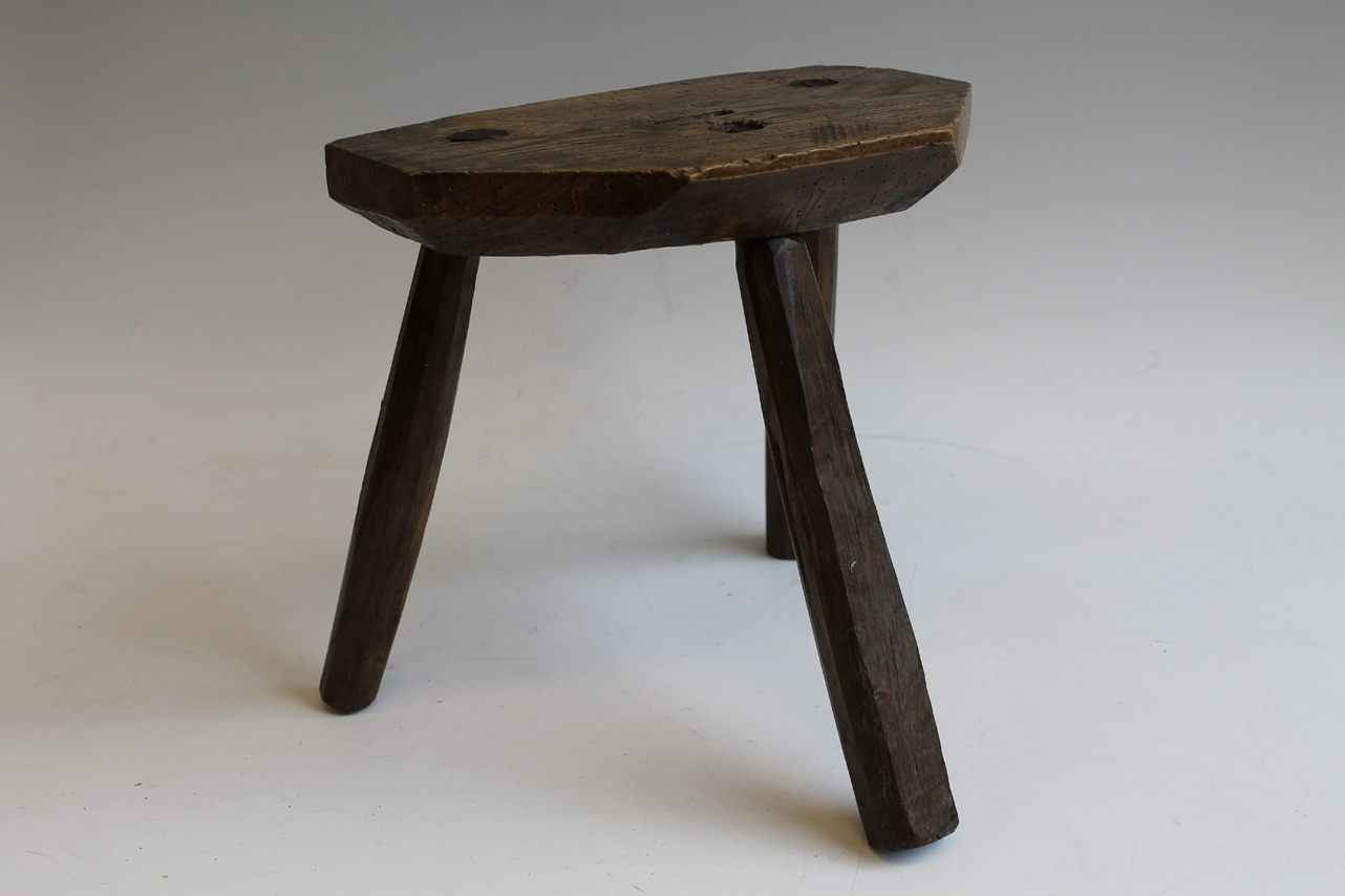 Rough Luxe Design: Vintage Milking Stools.