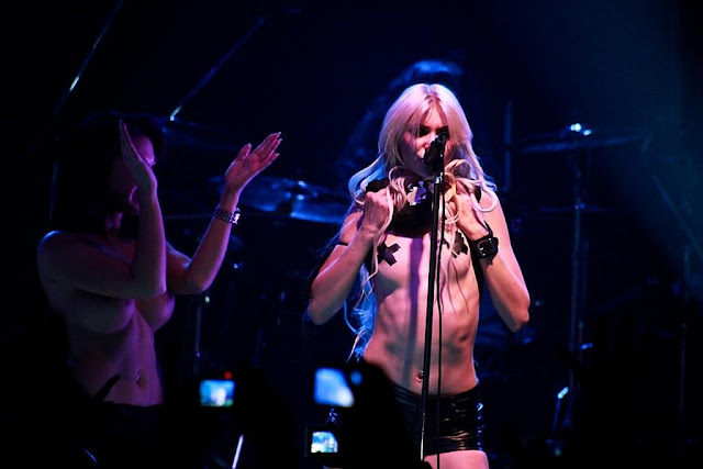 Taylor Momsen Showing Off Her Tape Up Nipples On Stage