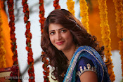 Shruti Haasan Stills from Balupu Movie-thumbnail-8