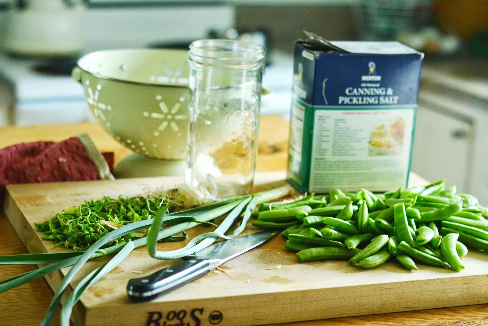 natalie creates: quick pickled sugar snap peas recipe