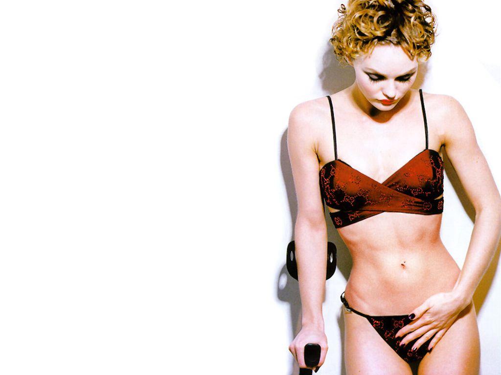 http://1.bp.blogspot.com/-QVaSRlzcaAA/Trg2LEvmh4I/AAAAAAAAFds/n20GiPuFsE4/s1600/Vanessa_Paradis_Hot.jpg