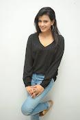 Hebah Patel glam pics in black top-thumbnail-12
