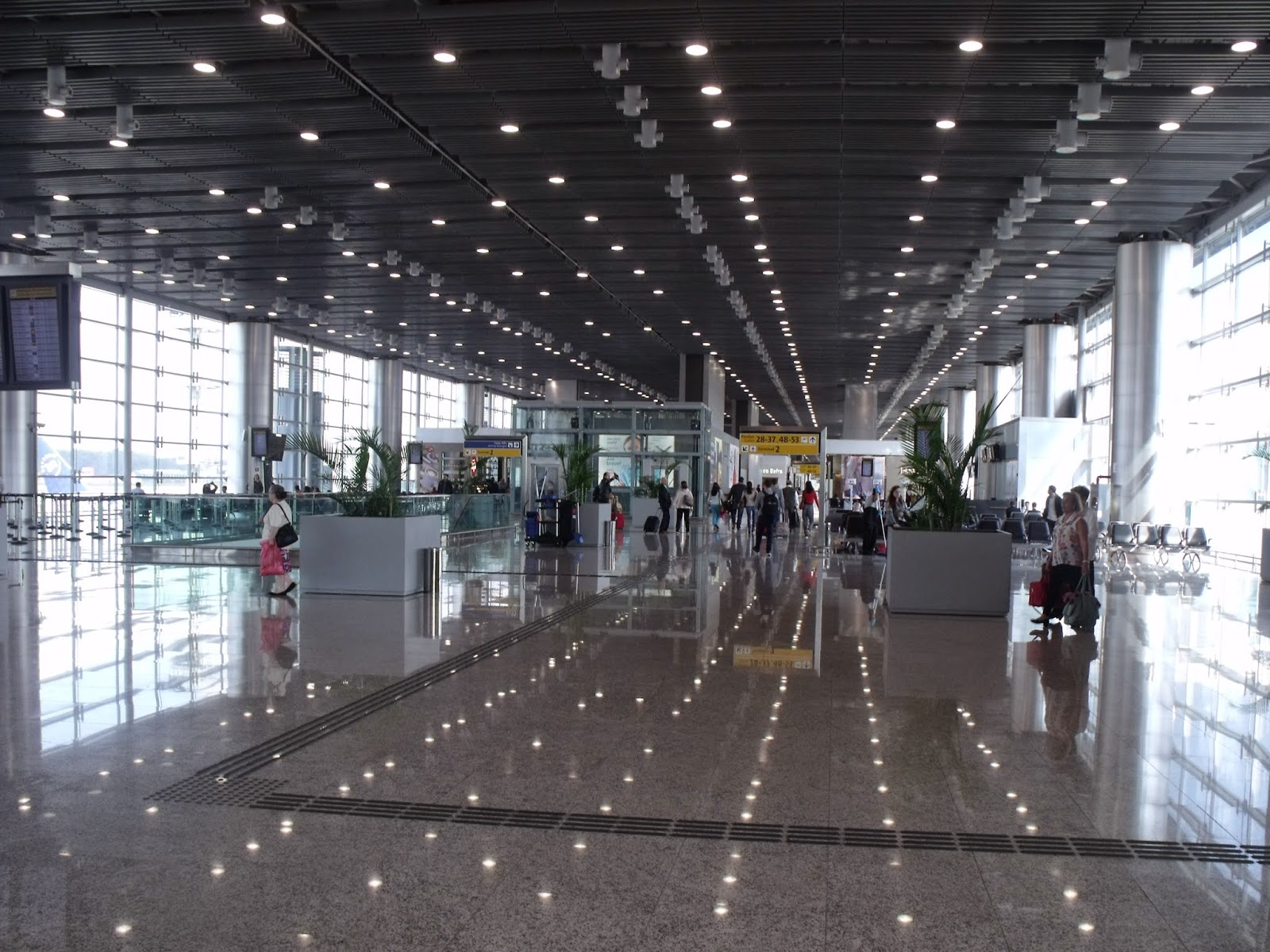 Aeroporto Gru : Maior aeroporto do país gru airport recebeu milhões de