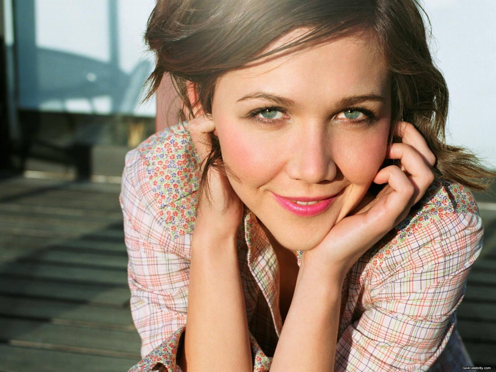 http://1.bp.blogspot.com/-QVd1UTySDt8/TZk49fSUUUI/AAAAAAAABOY/p-Y3P7MvHVI/s1600/Maggie-Gyllenhaal-004.jpg