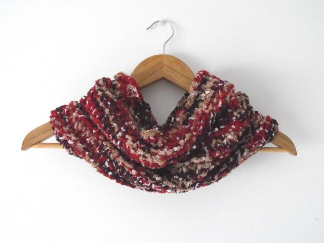 Velvety handmade neckwarmer - anahon