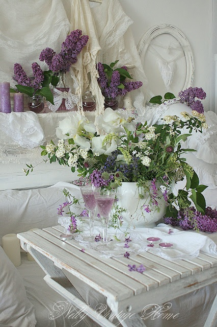 Simply shabby chic blog shabby chic with lilac for Photo shabby chic