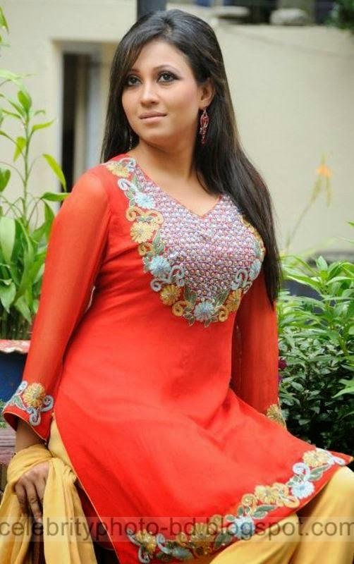 Hot%2BBangladeshi%2Bmodel%2BNafisa%2BJahan's%2BLatest%2BPhotos%2BCollection%2B2014 2015011