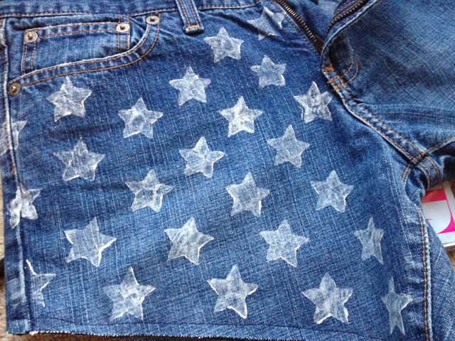 Starting At The Bottom Side Seam Stamp Your First Star In Middle Of Leave Space Between Each On Second Row Above Empty