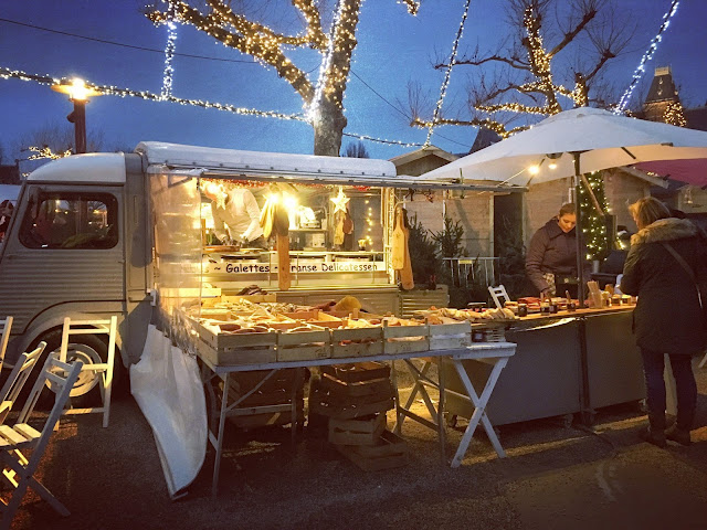 Food stands at the Christmas market in Amsterdam's Museumplein