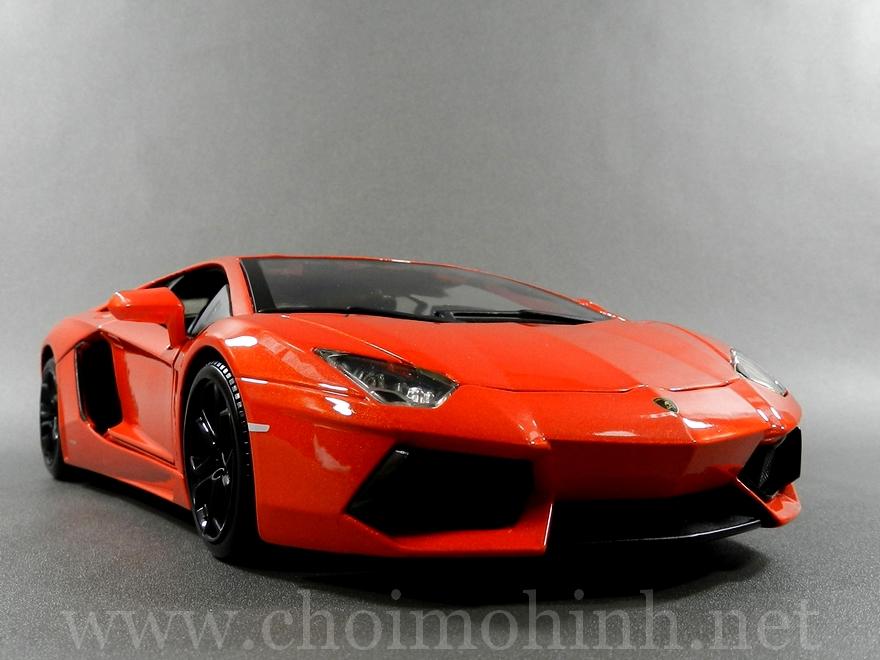 Lamborghini Aventador 1:18 bBurago orange