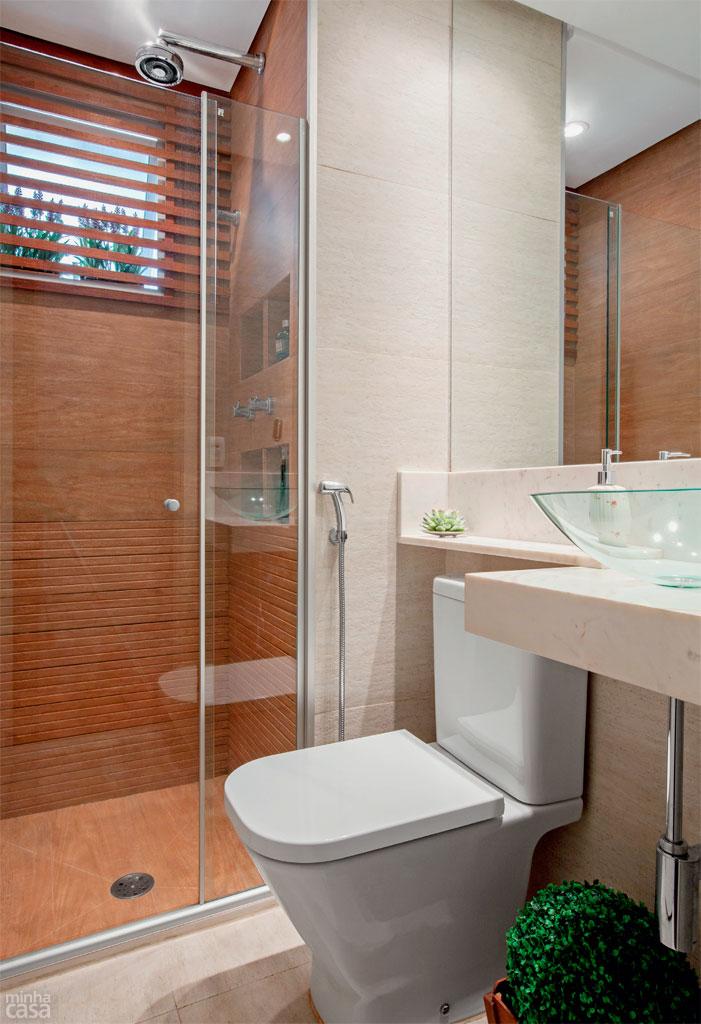 20 banheiros decorados com revestimento que imita madeira  Decor Alternativa -> Acabamentos Banheiro Pequeno