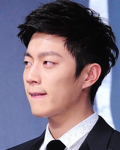 Doo Joon B2ST Hairstyle Black hair color