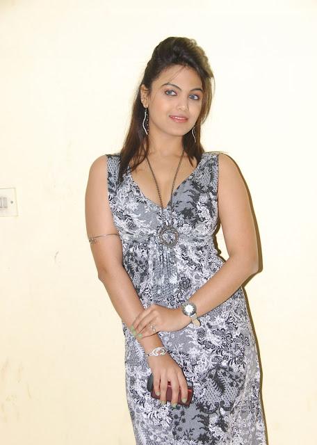 Priyanka Tivari Cute Photos