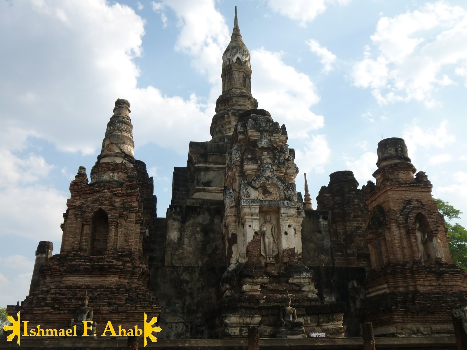 sukhothai historical park the ruins of the first capital. Black Bedroom Furniture Sets. Home Design Ideas